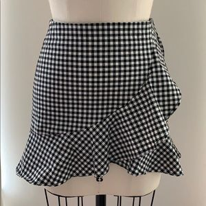H&M Divided Black and White Gingham Skirt- Size 34